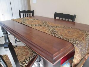 Solid wood dining table Campbell River Comox Valley Area image 2