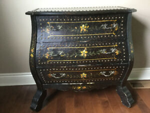 BOMBAY CHEST ** AMAZING DEAL ** OPEN TO OFFERS !!