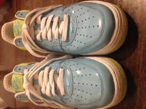 Nike Air Force 1 Shoes Mint Condition London Ontario image 1