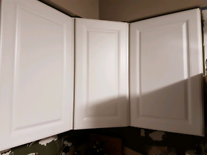 Used upper kitchen cabinets 8 cabinets total must sell