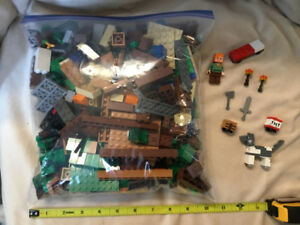 LEGO minecraft assorted pieces- bag #1