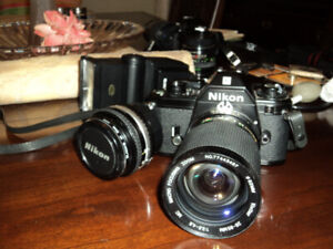 Zoom lens/Flash with filters and carrying case
