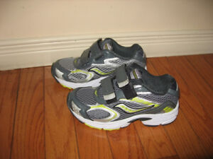 Youth Running Shoes - Boys  size 1M / Girls size 2.5W , 3