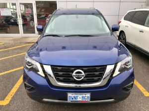 2017 Nissan Pathfinder 4WD SL with Premium Tech Package