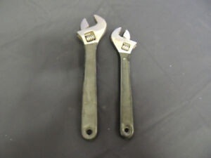 set of two adjustable wrenches