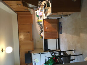 1500 hundred sq ft 3 level condo with attached garage