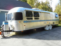 Airstream 31' Excella 1000 In EXCELLENT condition