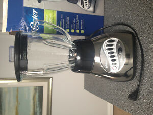 Blender for sale (Less that 1 yr old)12