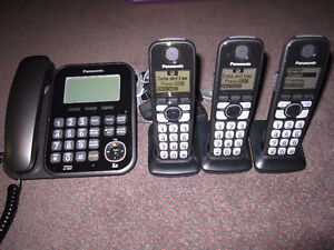Panasonic KX-TG4771-3 corded and cordless phone Systems