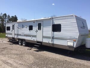2004 Mallard 39ft travel trailer