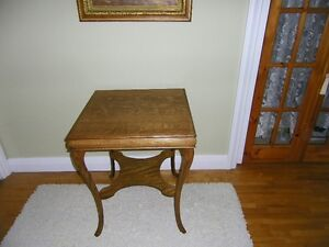 Refinished Oak Parlour Table