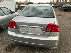2005 Pontiac Vibe ** FOR PARTS ** INSIDE &  OUTSIDE **