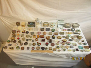 Trinket and jewellry box collection.