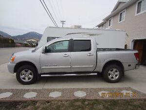 2011 Nissan Titan SL Pickup Truck