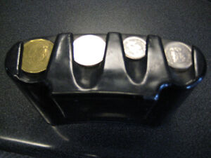 wanted coin holder (taxis or delivery people use