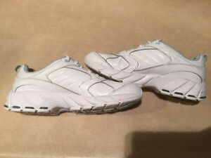 Women's Dr. Scholl's Shoes Size 7 London Ontario image 5
