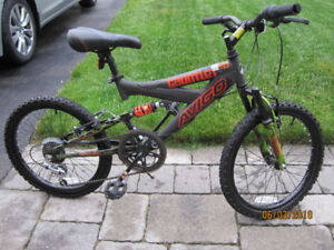 MOUNTAIN BIKE IN EXCELLENT CONDITION