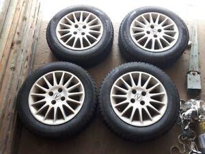 Pneus hiver Pirelli 15 pouces mag Acura