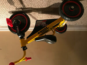 Toddlers tonka tricycle