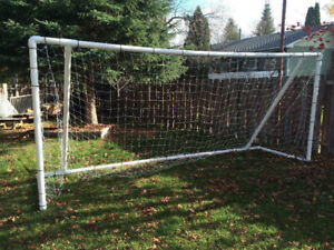 7'x16' soccer net - easy to set up and take down