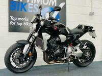 Honda CB1000R PLUS ! ULTRA LOW MILES ! STUNNING