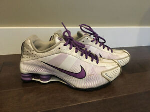 Nike Shox Youth size 6 or Women's size 7