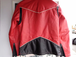 Leather jacket in med.   recycledgear.ca Kawartha Lakes Peterborough Area image 2