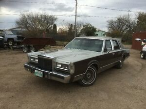 1986 Lincoln loaded