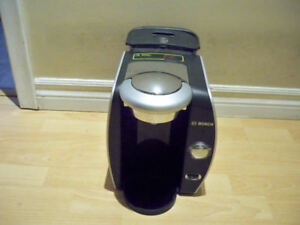 TASSIMO COFFEE MAKER LIKE NEW