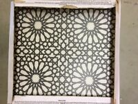 3 boxes caustic tiles