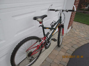 CCM SHOCK WAVE II Mountain Bike