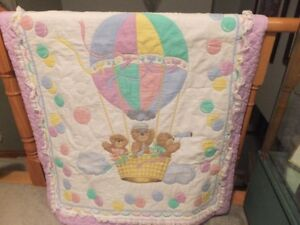 QUILT THAT IS CRIB SIZED