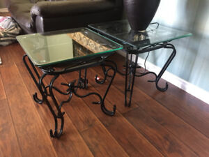 Glass End Table / Coffee table - PICKUP SAT OR SUN (May 28/29)