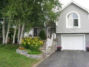 House for sale near SquierGreen  golf Course / Maison a vendre