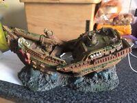 Ship wreck ornament for aquarium
