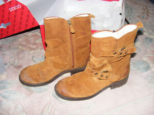 Guess Dollhouse Suede/Leather Boots Like New