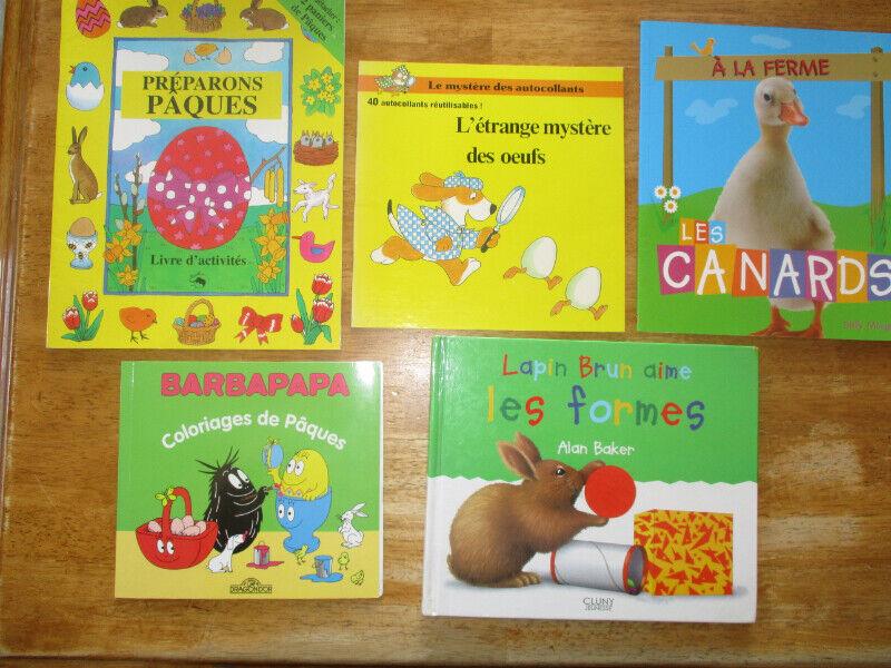 Coloriage De Paques En Anglais.Livres Et Marionnettes Sur Les Animaux De Paques Et Anglais Livres