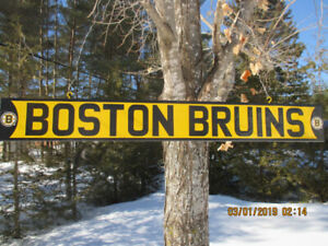 BOSTON BRUINS STREET STYLE SIGNS.