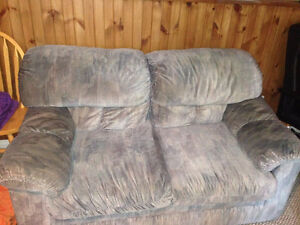 Pull out couch and love seat set. Ottawa Ottawa / Gatineau Area image 2