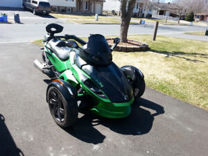 2013 CanAm Spyder RSS (5 speed manual) in Cornwall