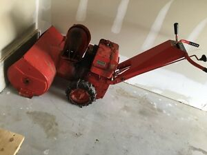 Heavy duty snowblower .. Built to last and work great!!  Peterborough Peterborough Area image 1