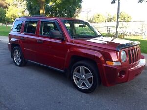 Jeep Patriot 2007. 4x4. Automatique. 4 cylindres. Limited Ed