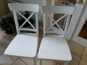 Chaises blanches ingolf ikea