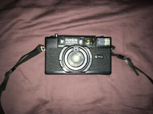 KONICA AUTO FOCUS 35mm point and shoot camera with Hexanon 38mm