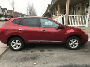 Nissan Rogue 2013, accident free woth carproof. Nissan maintaind