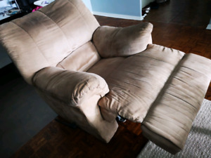 Recliner couch/ chair $100.