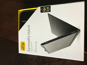 Brand New iPad otterbox symmetry folio