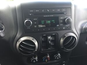 2014 JEEP WRANGLER UNLIMITED SPORT * 4WD * LOW KM * LIKE NEW London Ontario image 13