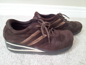 Like New Spring Brown Suede Sneakers (Size 8) London Ontario image 1