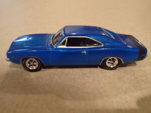 1:64 SCALE DIE-CAST GREENLIGHT MCG 1970 DODGE CHARGER R/T B-5 BL